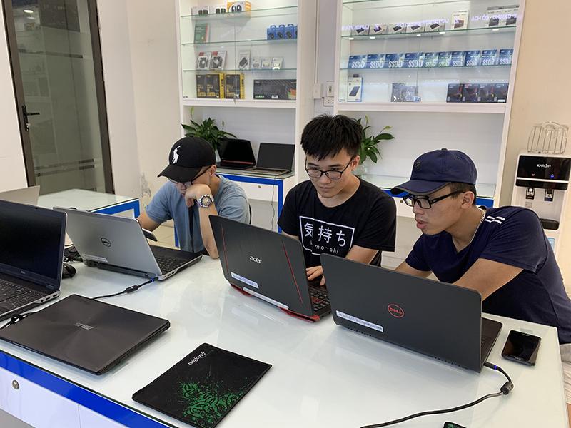 laptop-az-co-uy-tin-hay-khong